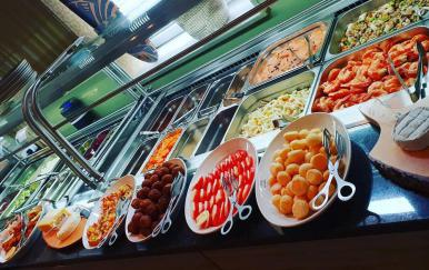 Das all-you-can-eat Buffet im Bahnhof Fischbach